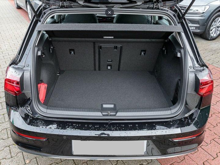 Volkswagen Golf 8 1.5TSI 150 DSG Style / Toit ouvrant/Alcantara/09/2020 noir métal - 3