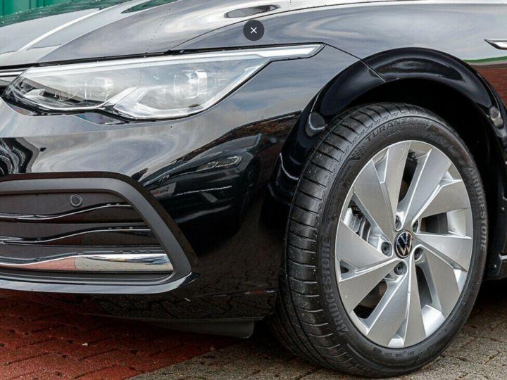 Volkswagen Golf 8 1.5TSI 150 DSG Style / Toit ouvrant/Alcantara/09/2020 noir métal - 4
