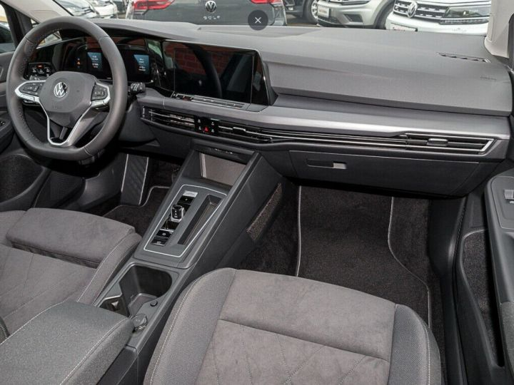 Volkswagen Golf 8 1.5TSI 150 DSG Style / Toit ouvrant/Alcantara/09/2020 noir métal - 6