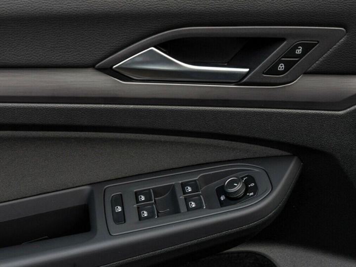 Volkswagen Golf 8 1.5TSI 150 DSG Style / Toit ouvrant/Alcantara/09/2020 noir métal - 10
