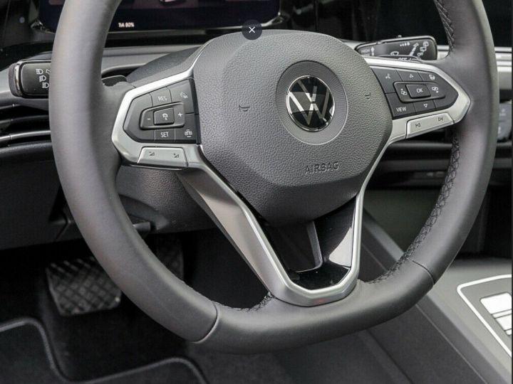 Volkswagen Golf 8 1.5TSI 150 DSG Style / Toit ouvrant/Alcantara/09/2020 noir métal - 11