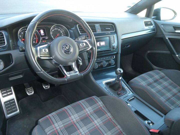 Volkswagen Golf GOLF VII / 7 2.0 TSI 220 BLUEMOTION TECHNOLOGY GTI 3P Acier Carbone métallisé Occasion - 17
