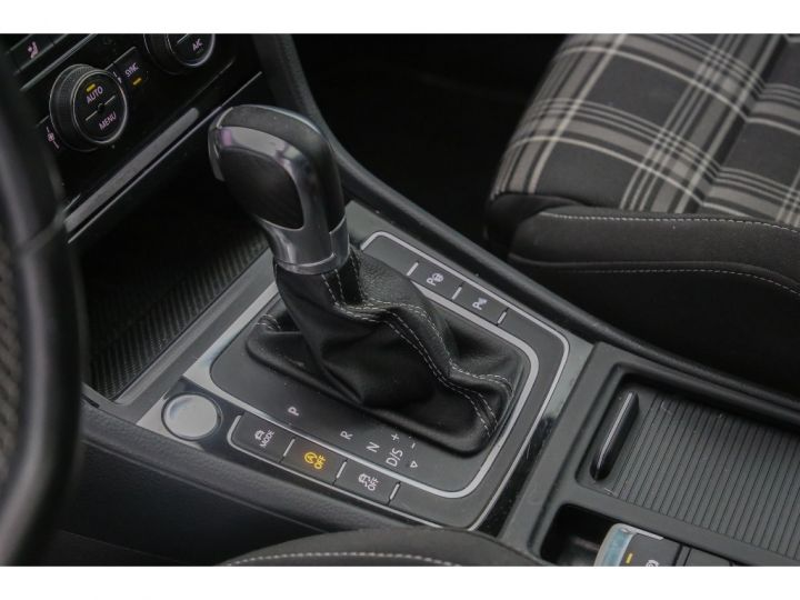 Volkswagen Golf GTD 2.0 DSG7 BlueMotion Technology NOIR - 8