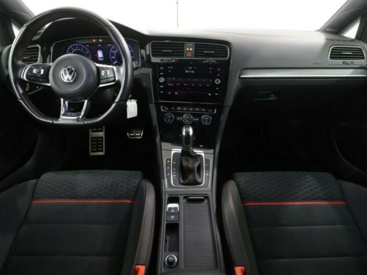 Volkswagen Golf GTI Blanc et rouge - 5