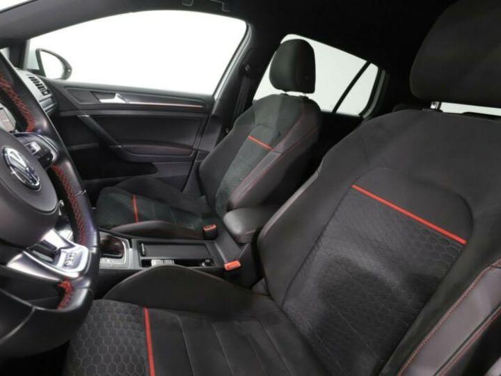 Volkswagen Golf GTI Blanc et rouge - 6