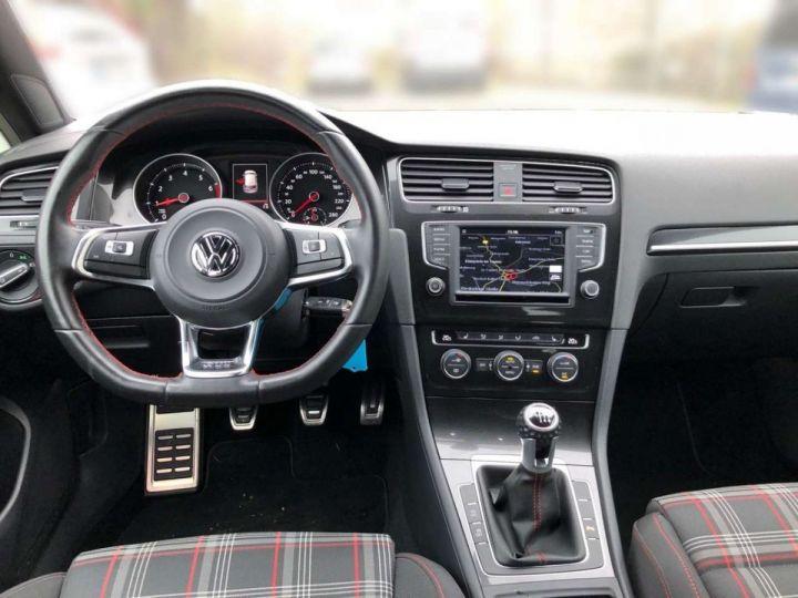 Volkswagen Golf GTI rouge tornado  - 6