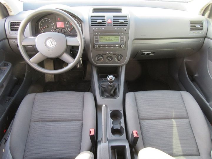 Volkswagen Golf V 1.6 102CH TREND 5P Gris Clair Occasion - 8