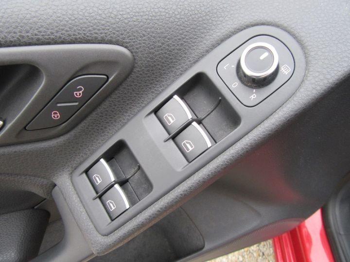 Volkswagen Golf VI CABRIOLET 1.2 TSI 105CH CARAT BLUEMOTION TECHNOLOGY Rouge Occasion - 11