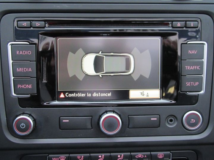 Volkswagen Golf VI CABRIOLET 1.2 TSI 105CH CARAT BLUEMOTION TECHNOLOGY Rouge Occasion - 13