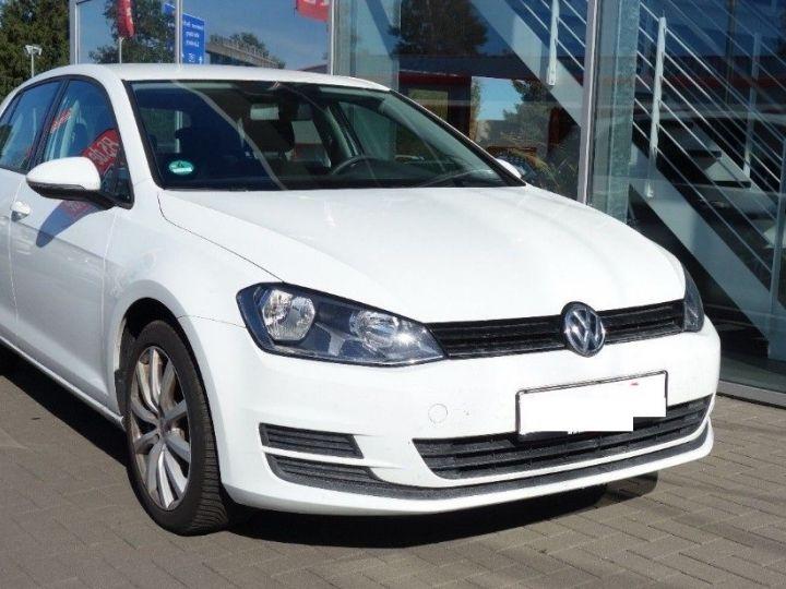 Volkswagen Golf VII 1.2 TSI 110 BLUEMOTION  CONFORTLINE 5P (09/2017) blanc - 3