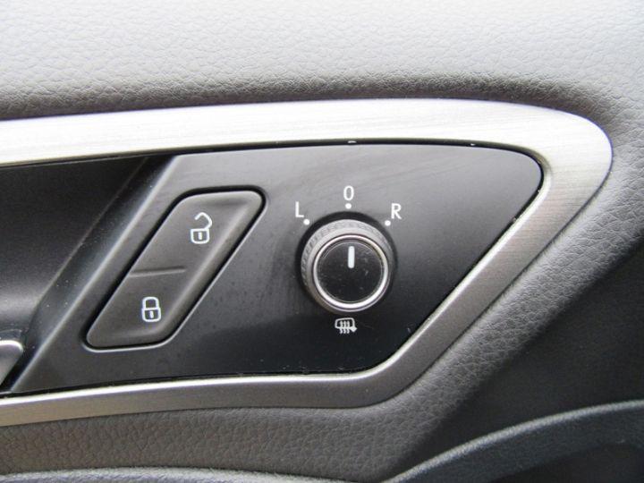 Volkswagen Golf VII 1.2 TSI 85CH BLUEMOTION TECHNOLOGY CONFORTLINE 5P Bleu Occasion - 14