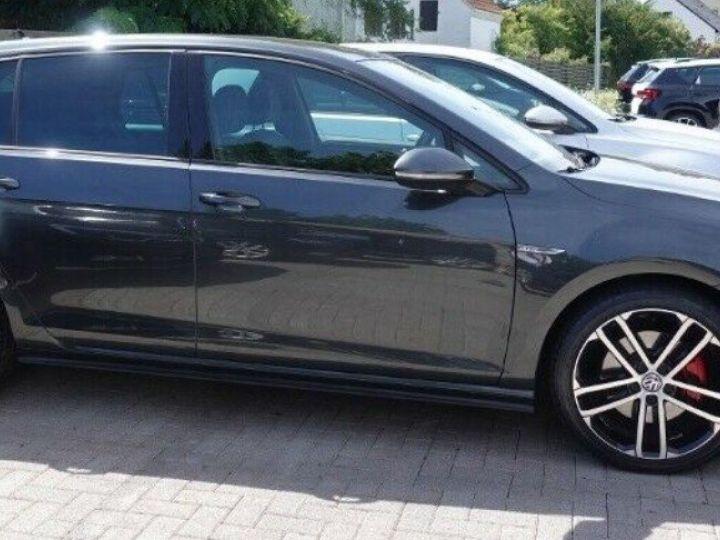 Volkswagen Golf  VII 2.0 TDI 184 BLUEMOTION TECHNOLOGY GTD 5P/2016(Toit panoramique/Alcantara gris daytona métal - 4