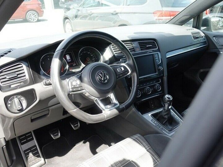 Volkswagen Golf  VII 2.0 TDI 184 BLUEMOTION TECHNOLOGY GTD 5P/2016(Toit panoramique/Alcantara gris daytona métal - 5