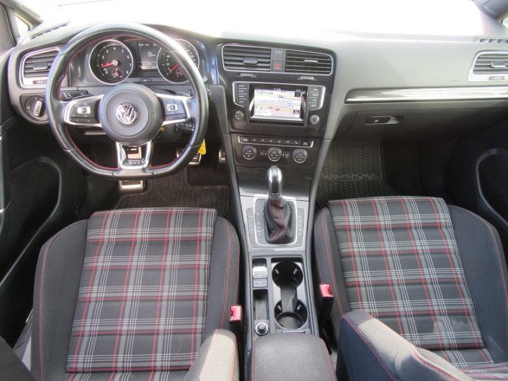 Volkswagen Golf VII GTI 2.0 TSI 220CH BLUEMOTION TECHNOLOGY DSG6 5P Rouge Occasion - 9