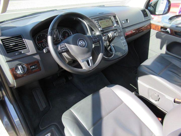 Volkswagen Multivan 2.0 TDI 180CH BLUEMOTION TECHNOLOGY HIGHLINE Gris - 2