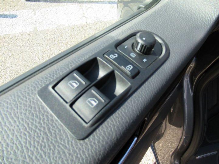 Volkswagen Multivan 2.0 TDI 180CH BLUEMOTION TECHNOLOGY HIGHLINE Gris - 14