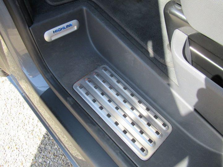 Volkswagen Multivan 2.0 TDI 180CH BLUEMOTION TECHNOLOGY HIGHLINE Gris - 16