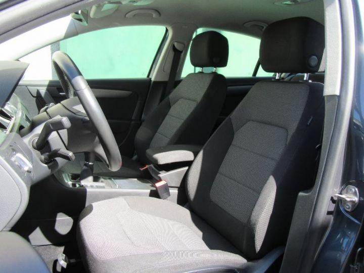 Volkswagen Passat 1.6 TDI 105CH BLUEMOTION TECHNOLOGY FAP BLUEMOTION BUSINESS GRIS FONCE Occasion - 4