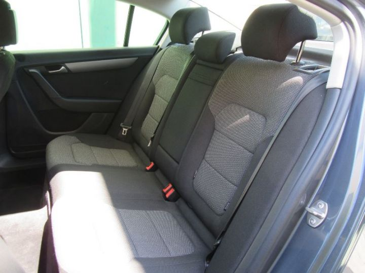 Volkswagen Passat 1.6 TDI 105CH BLUEMOTION TECHNOLOGY FAP BLUEMOTION BUSINESS GRIS FONCE Occasion - 9