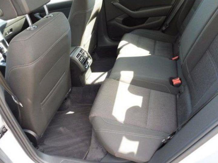Volkswagen Passat Confortline 2.0 TDI 150 (04/2016) gris métal - 8