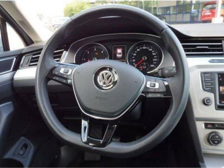 Volkswagen Passat Confortline 2.0 TDI 150 (04/2016) gris métal - 10