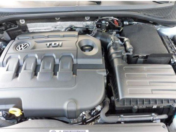 Volkswagen Passat Confortline 2.0 TDI 150 (04/2016) gris métal - 14