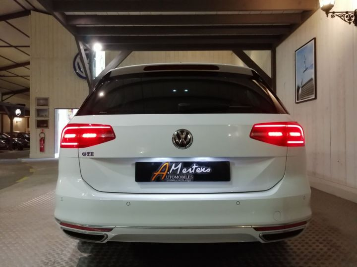 Volkswagen Passat SW 1.4 TSI 218 CV GTE DSG Blanc - 4