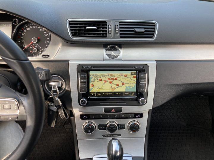 Volkswagen Passat SW 2.0 177CH BLUEMOTION TECHNOLOGY FAP CARAT 4MOTION DSG6 gris  - 15