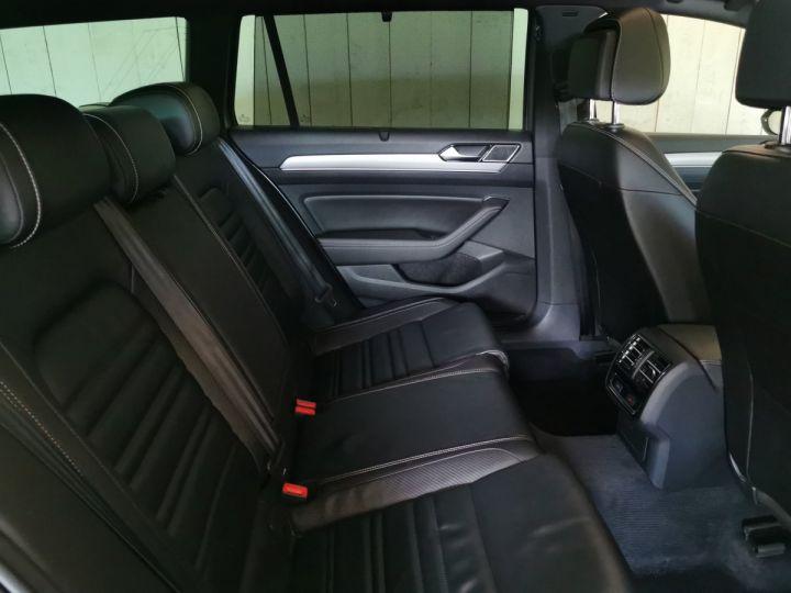 Volkswagen Passat SW 2.0 TDI 190 CV CARAT EXCLUSIVE 4MOTION DSG Gris - 9