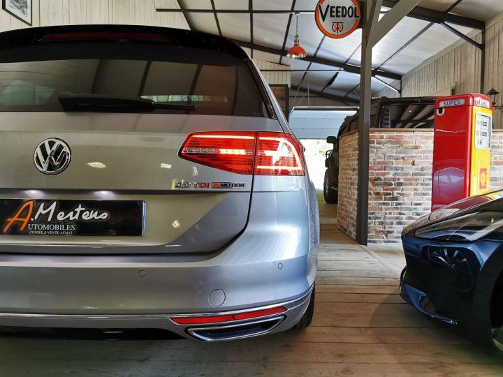 Volkswagen Passat SW 2.0 TDI 190 CV CARAT EXCLUSIVE 4MOTION DSG Gris - 15