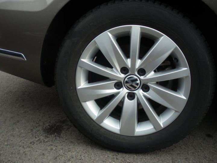 Volkswagen Passat TDI 140 CV CONFORTLINE gris - 11