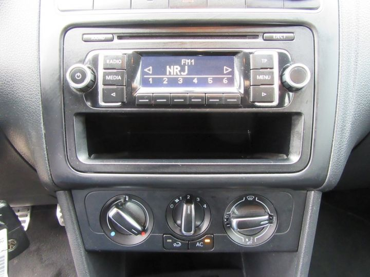 Volkswagen Polo 1.2 60CH STYLE 5P GRIS FONCE Occasion - 10