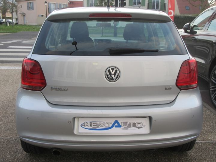 Volkswagen Polo 1.4 85CH CONFORTLINE 5P Gris Clair Occasion - 9