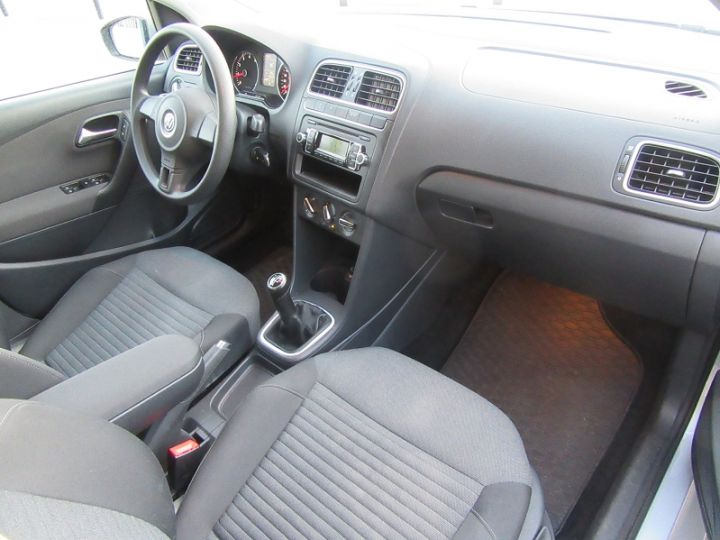 Volkswagen Polo 1.4 85CH CONFORTLINE 5P Gris Clair Occasion - 18
