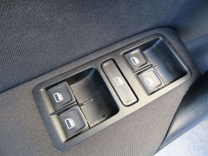 Volkswagen Polo 1.4 TDI 90CH BLUEMOTION TECHNOLOGY CONFORTLINE DSG7 GRIS Occasion - 12