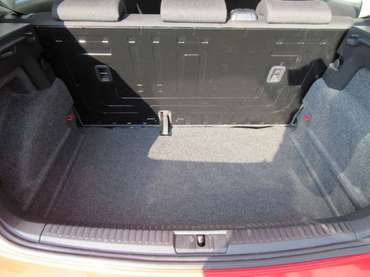 Volkswagen Polo 1.6 TDI 90CH FAP DSG7 5P ROUGE Occasion - 8
