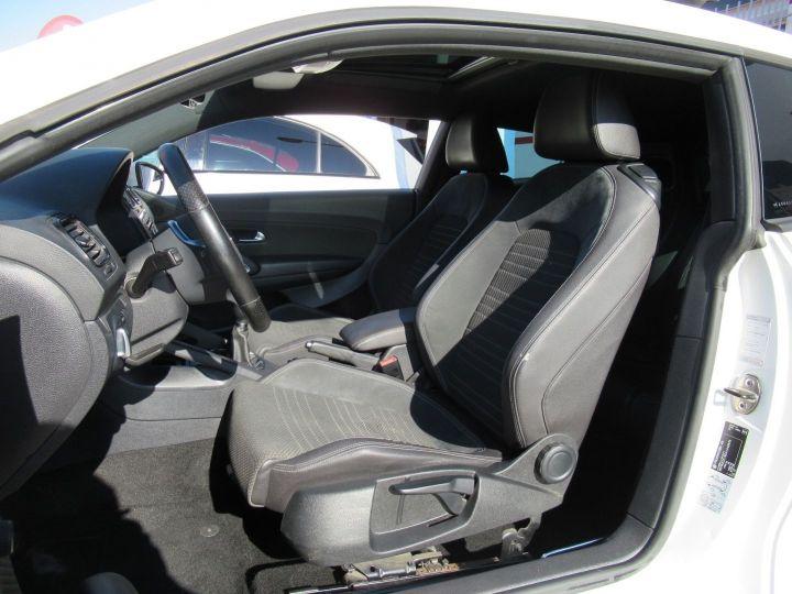 Volkswagen Scirocco 2.0 TDI 140CH FAP Blanc - 4