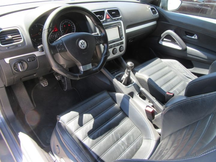 Volkswagen Scirocco 2.0 TDI 140CH FAP CARAT Gris Fonce Occasion - 2