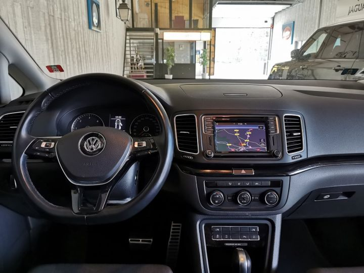 Volkswagen Sharan 2.0 TDI 150 CV SOUND DSG 7PL Gris - 6