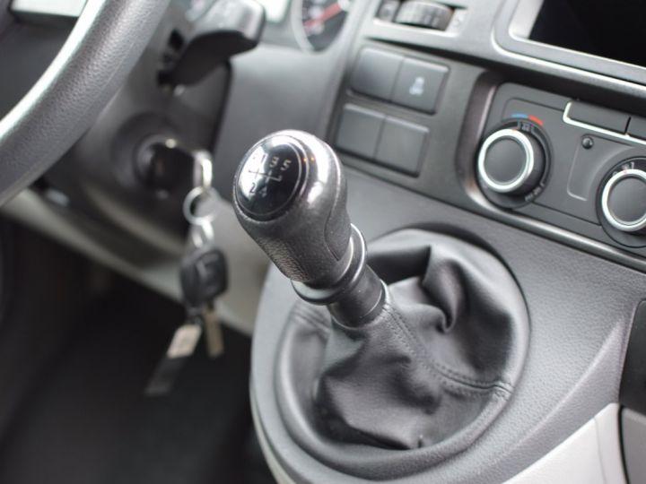 Volkswagen T5 VW TRANSPORTER T5 2.0 TDI 102CH 1ère main CLIM ENTRETIEN EXCLU. VW TVA RÈCUP BLANC - 11