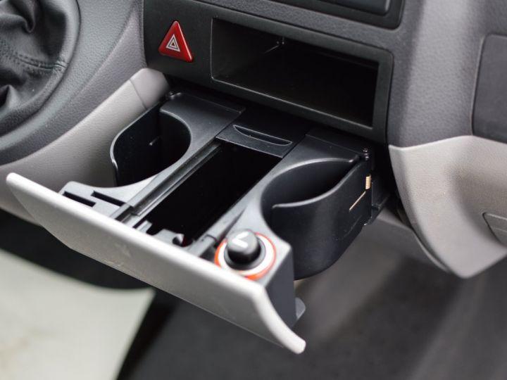 Volkswagen T5 VW TRANSPORTER T5 2.0 TDI 102CH 1ère main CLIM ENTRETIEN EXCLU. VW TVA RÈCUP BLANC - 16