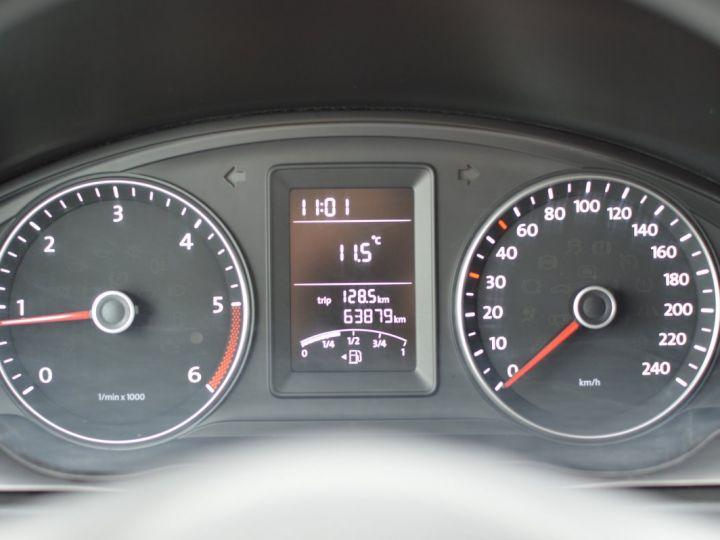 Volkswagen T5 VW TRANSPORTER T5 2.0 TDI 102CH 1ère main CLIM ENTRETIEN EXCLU. VW TVA RÈCUP BLANC - 17