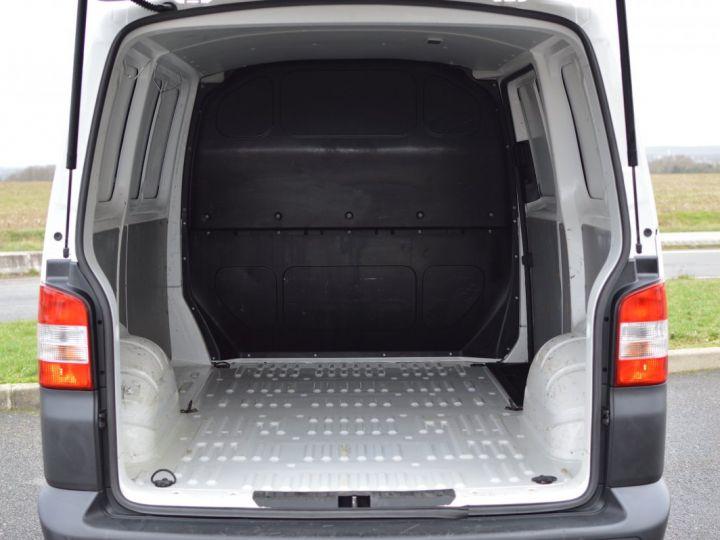 Volkswagen T5 VW TRANSPORTER T5 2.0 TDI 102CH 1ère main CLIM ENTRETIEN EXCLU. VW TVA RÈCUP BLANC - 18