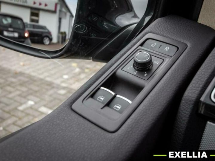Volkswagen T6 MULTIVAN 2.0 TDI  NOIR PEINTURE METALISE  Occasion - 12