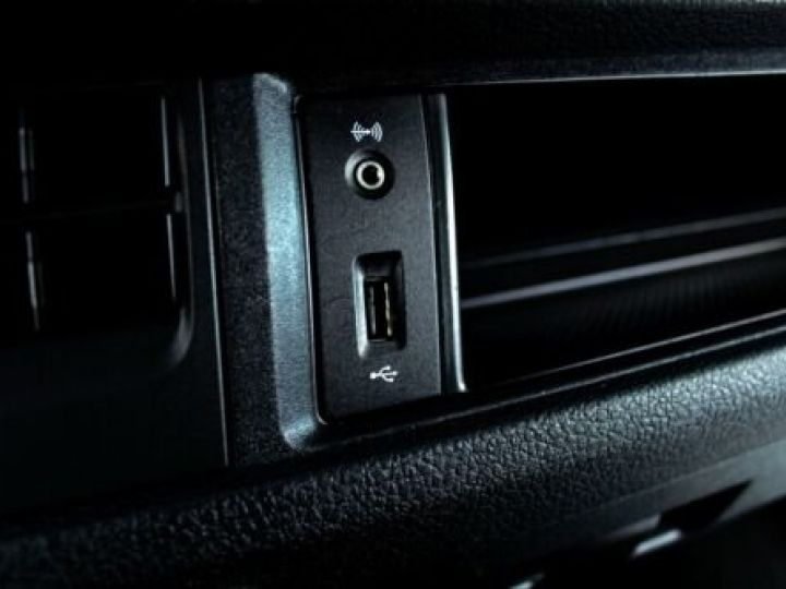 Volkswagen T6 T6 Multivan 2.0 TSI 6-Gang / GPS / CAMERA / AIDE AU STATIONNEMENT  Noir métallisée  - 17