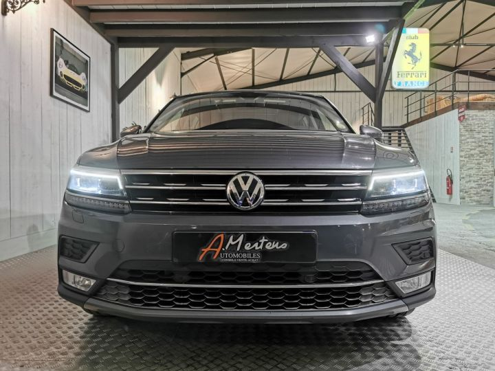 Volkswagen Tiguan 2.0 TDI 150 CV CARAT DSG Gris - 3