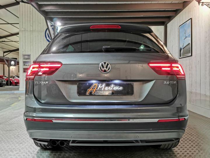 Volkswagen Tiguan 2.0 TDI 150 CV CARAT DSG Gris - 4