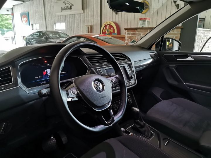 Volkswagen Tiguan 2.0 TDi 150 CV CARAT DSG Noir - 5