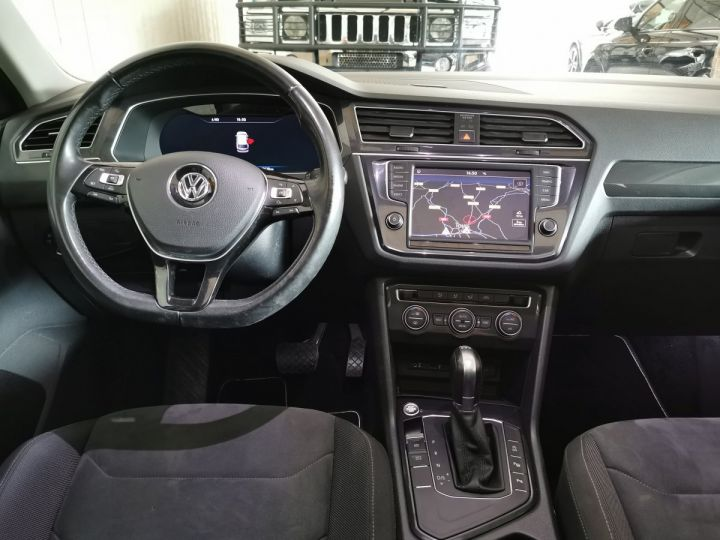 Volkswagen Tiguan 2.0 TDI 150 CV CARAT DSG Gris - 6