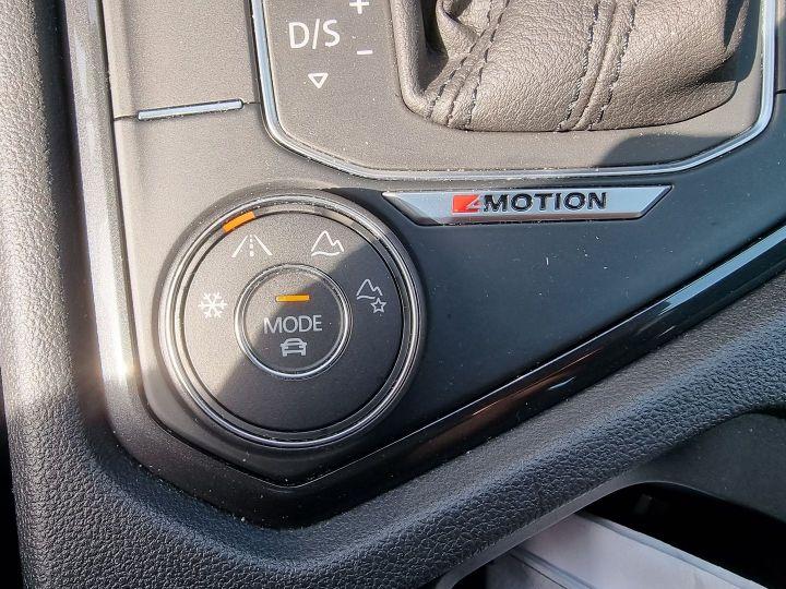 Volkswagen Tiguan 2.0 TDI 150CH CARAT 4MOTION Noir - 9